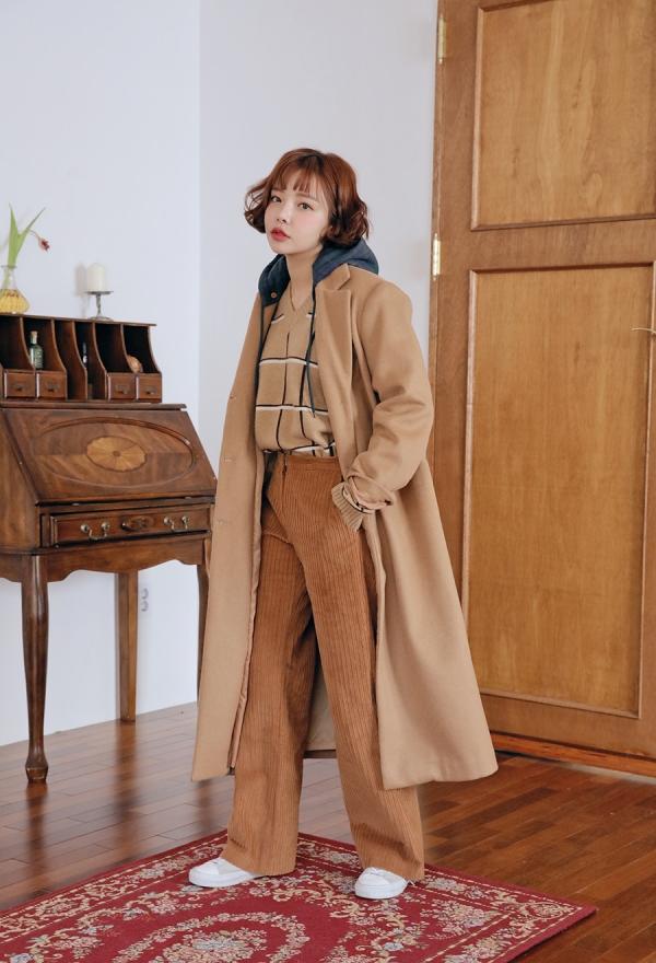 驼色大衣内搭什么颜色好看会显老气吗 经典驼色魅力无穷