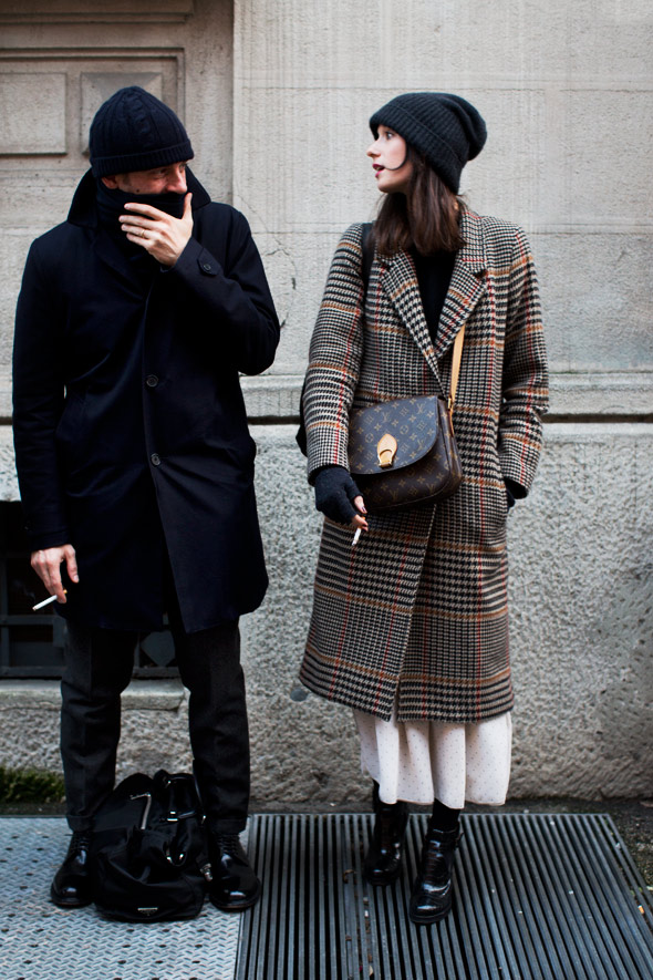 格纹大衣怎样搭配最好内搭什么好看 get大热的格纹元素