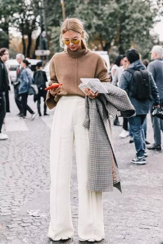 针织衫怎么搭配裤子好看图片 秋冬针织衫也要穿出时尚感