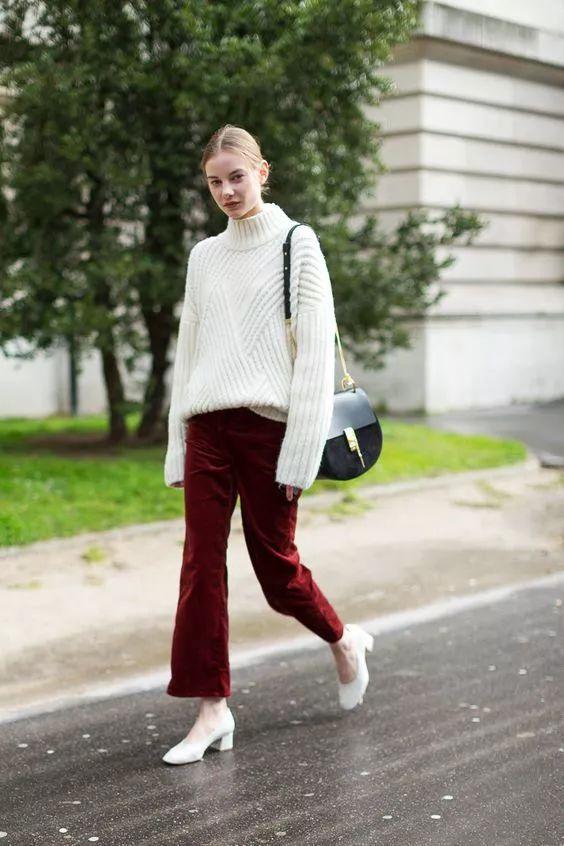 灯芯绒阔腿裤怎么搭配图片配什么鞋 get秋冬流行元素