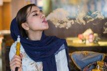 伊朗美女夜生活竟然这么奔放 伊朗美女图片告诉你有多美