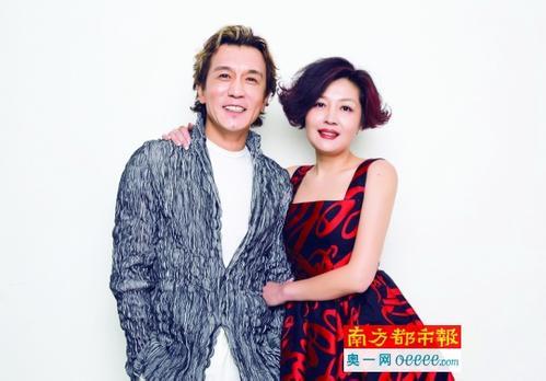 李咏妻子哈文家庭背景显赫微博图片 这个女人绝对不简单