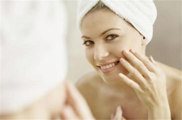 爽肤水的作用和功效是什么,爽肤水应该怎么用才正确