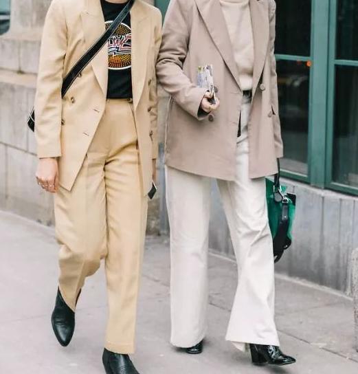 秋冬白色阔腿裤怎么搭配上衣图片 白色阔腿裤塑造高级感