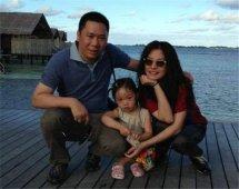 黄有龙的前妻是谁有孩子吗 赵薇和她老公差多少岁