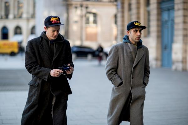 卫衣搭配男_冬季卫衣搭配什么外套男里面穿什么好 卫衣也太好穿了