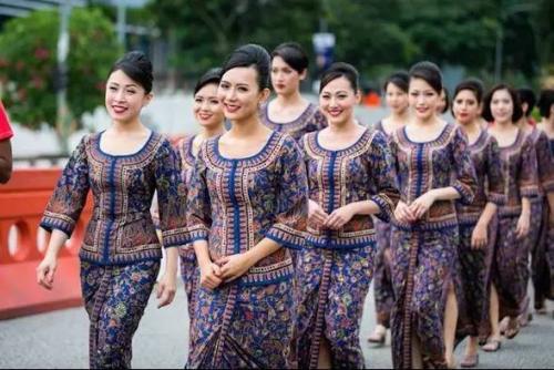 新加坡航空 空姐 民族风情发型和服饰图片
