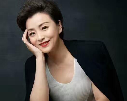 杨澜第一任丈夫是谁为什么离婚,杨澜前夫张一兵个人资料