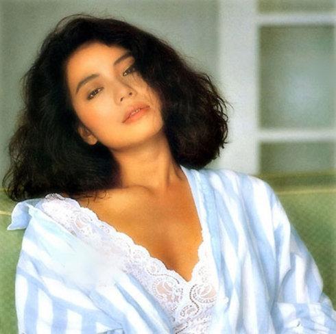 钟楚红年轻时好漂亮图片最美图片 自带风情的她到底是美在哪里