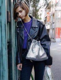 冬天黑色皮衣怎么搭配好看女 皮衣比你想象中更白搭