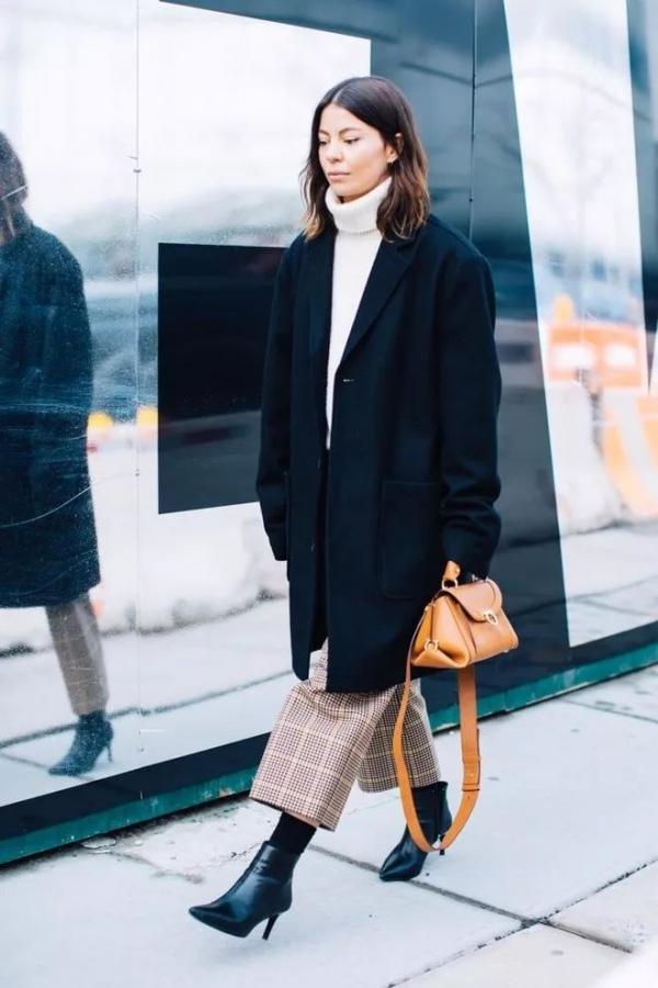 冬天高领毛衣如何搭配外套好看 高领毛衣和大衣才是最佳CP