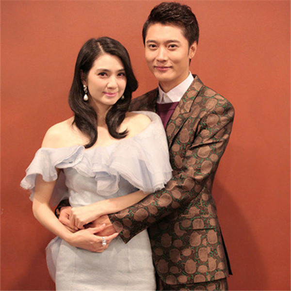 张丹峰为什么娶洪欣 张丹峰娶洪欣真是因为钱吗
