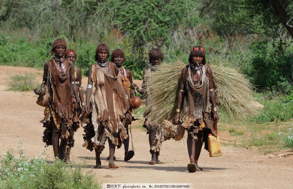 非洲土著女人真实现状曝光 非洲土著部落原始风俗令人惊悚