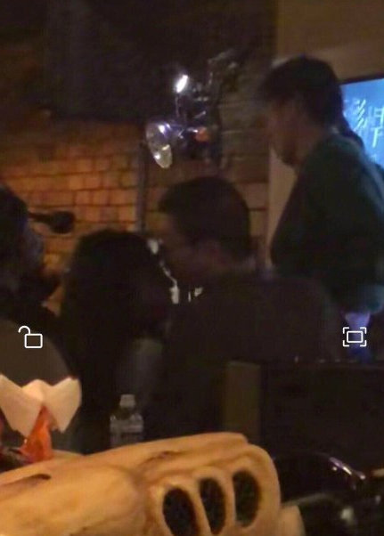 李诞出轨张浴盐酒吧舌吻是真的吗,李诞张浴盐什么关系怎么认识的