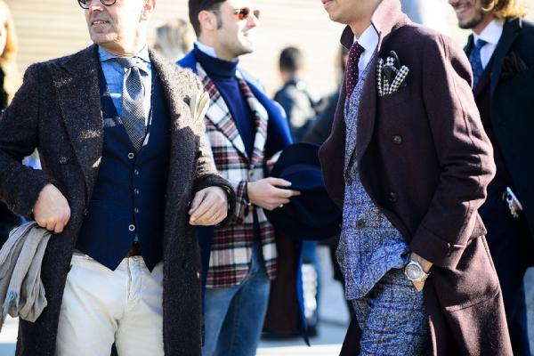 酒红色外套配什么颜色内搭 教男生怎么搭配酒红色外套