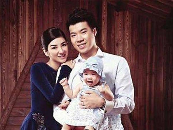 黄毅清爸爸是谁 难怪他在娱乐圈中一直不怕得罪人