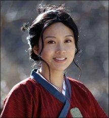 闫妮现任丈夫是谁 揭秘闫妮的家庭背景及个人资料生活照