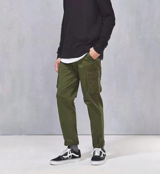 英伦风马丁靴搭配_军绿色裤子配什么颜色的鞋子好看图片 会穿军绿色才会更潮_天涯 ...
