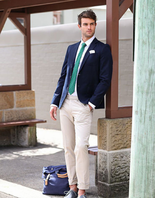 休闲皮鞋_深蓝色西服配什么颜色裤子好看图片 尽显成熟型男的绅士感_天涯 ...