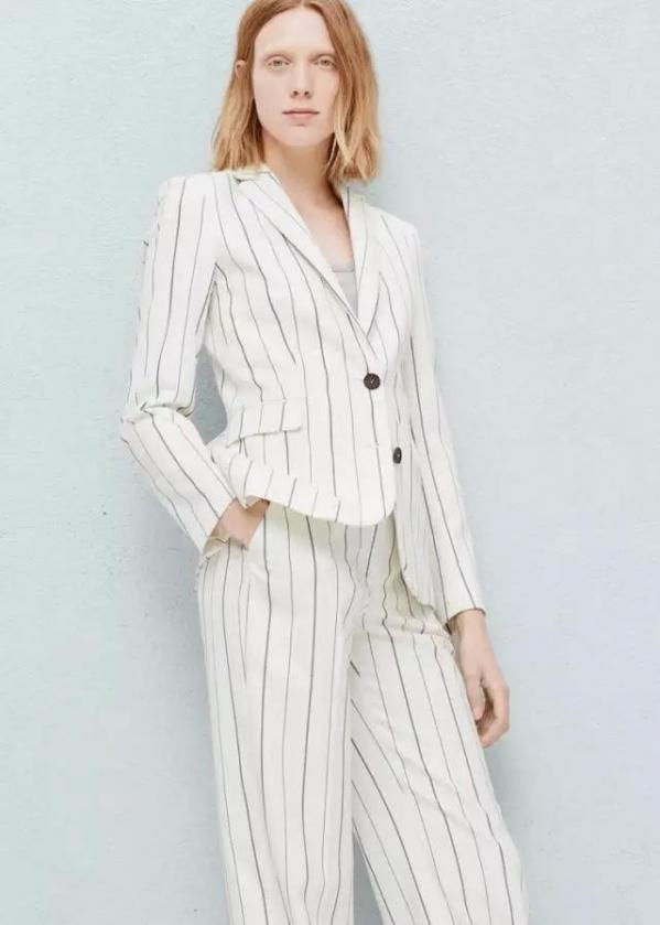 女士白色西装配什么鞋子图片 春季干净清爽的穿搭更显气质