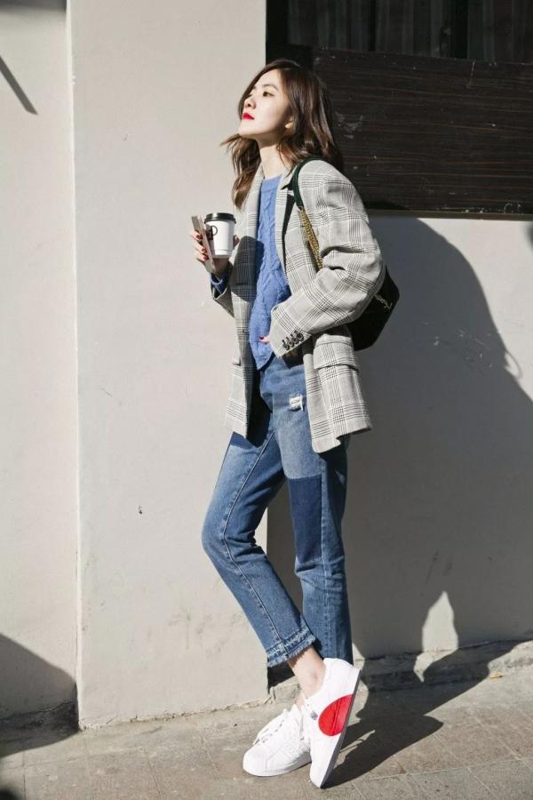 灰色格子西装女内搭什么颜色好看 春季这样搭配彰显好气质