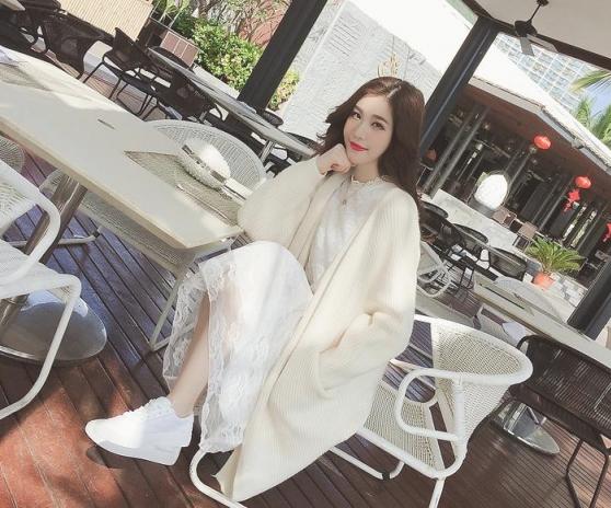 米白色针织衫怎么搭配好看内搭什么图片 这样穿温柔又清新
