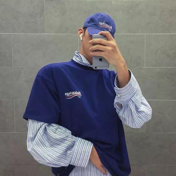 男条纹衬衫配什么外套好看 经典竖条纹衬衫怎么穿都不腻