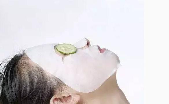 敷面膜真的有用吗正确方法和步骤 敷面膜脸上刺痛是怎么回事