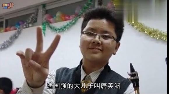 唐国强几个儿子曝光二儿子有什么残疾 唐国强儿子基因不按套路出