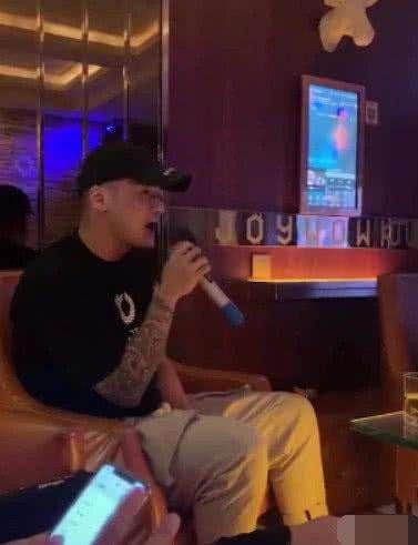 蒋劲夫在酒吧做DJ纹身图案非常显眼?网曝蒋劲夫自暴自弃放飞自我