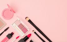 脸上浮粉是什么原因怎么临时补救 怎么化妆不浮粉不起皮