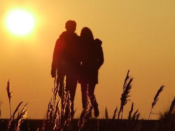 男人认定你的表现已经爱上你的征兆?怎样让男人疯狂想你愿意娶你