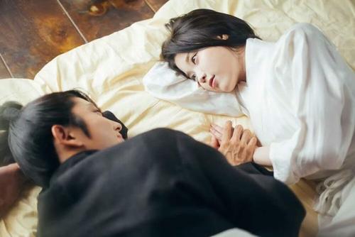 iu承认过的历任男友和张基河为何分手?iu有几个男朋友分别都是谁