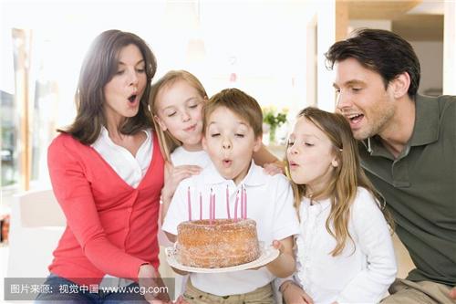 适合给孩子过生日发朋友圈比较含蓄的句子 孩子生日想发个朋友圈