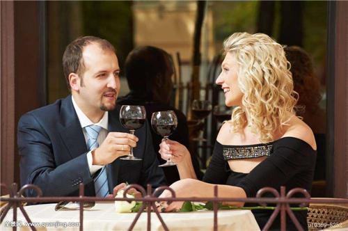 情侣出去玩除了看电影还有啥 适合情侣的周末活动一天约会计划