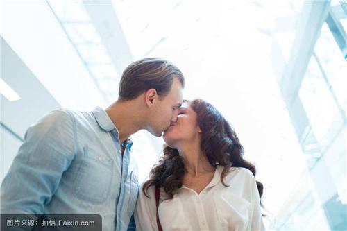 男生怎么判断女生是不是初吻 女生什么样才叫初吻绝对会有的特征