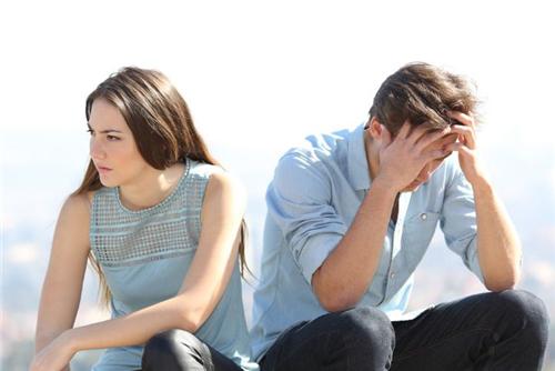表达挽留爱情的句子 让对方看到心疼的句子 不想失去一个人的句子