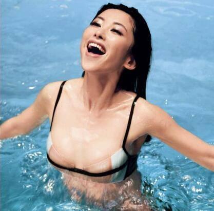 朱珠演的违禁电影裸泳是哪部?绝命航班朱珠图片大放送删了的戏