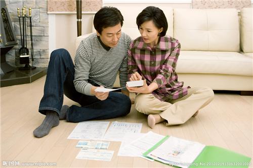 老公不给你钱说明什么 老公经济上防着老婆要自己管钱意味着什么