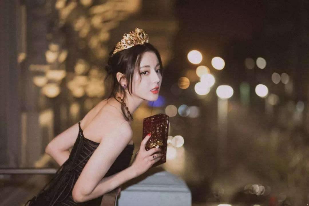迪丽热巴黄景瑜公寓过夜视频曝光?粉丝澄清迪丽热巴恋情不是真的