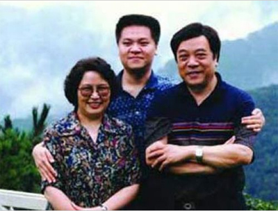 赵忠祥几个儿女现在的老婆是谁?儿子赵芳做什么工作个人资料介绍