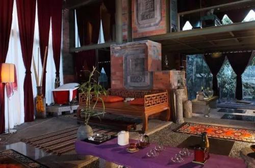 杨丽萍月亮宫现状拆了吗被拆图片?杨丽萍的月亮宫为什么被收回?