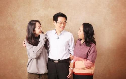 我家那闺女蒋梦婕爸爸是亲爸爸吗为啥姓徐?蒋梦婕父母是做什么的