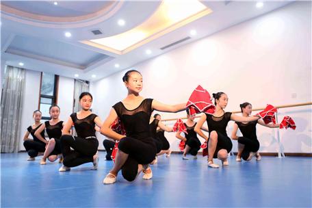 高端大气的舞蹈学校名字怎么取 舞蹈学校名字有创意好听还洋气