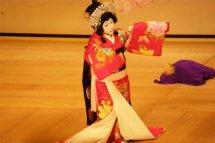 日本歌舞伎等于豪门吗?藤间斋一次表演多少钱?藤间斋是日本贵族吗
