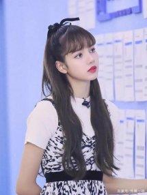 曝金星参加《青你2》担任舞蹈老师?泰国女歌手lisa退出《青你2》