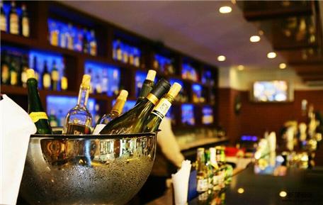 最潮最个性有品位的酒吧名字 吸引人的酒吧名字怎么取高端有意境
