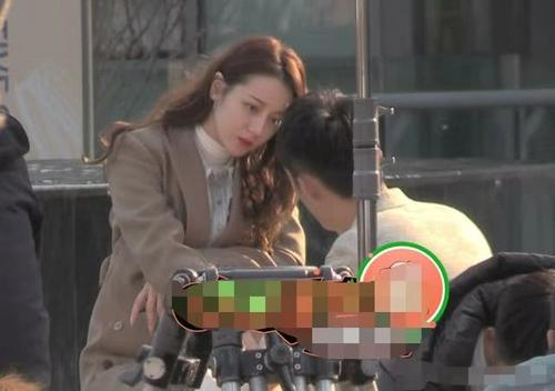 迪丽热巴和黄景瑜是真的吗?迪丽热巴黄景瑜同居日本约会怎么回事
