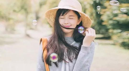 和女孩子聊天技巧[追女孩子的方法],男女日常要如何幽默聊天对话?