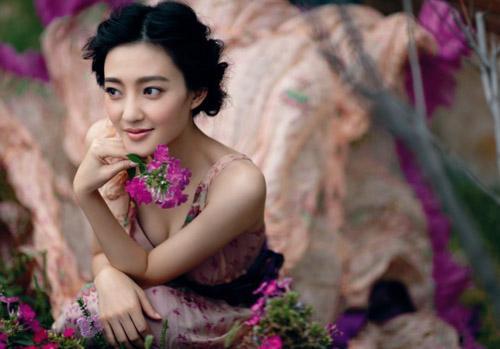 王丽坤是哪一年出生的多少岁实际年龄79年的?王丽坤于和伟现状